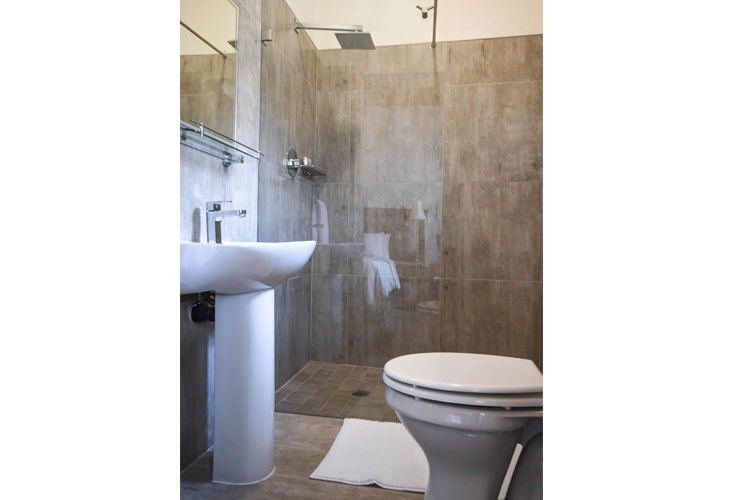 http://www.33onfirst.co.za/wp-content/uploads/2019/02/Bathroom-Small_1w-2.png